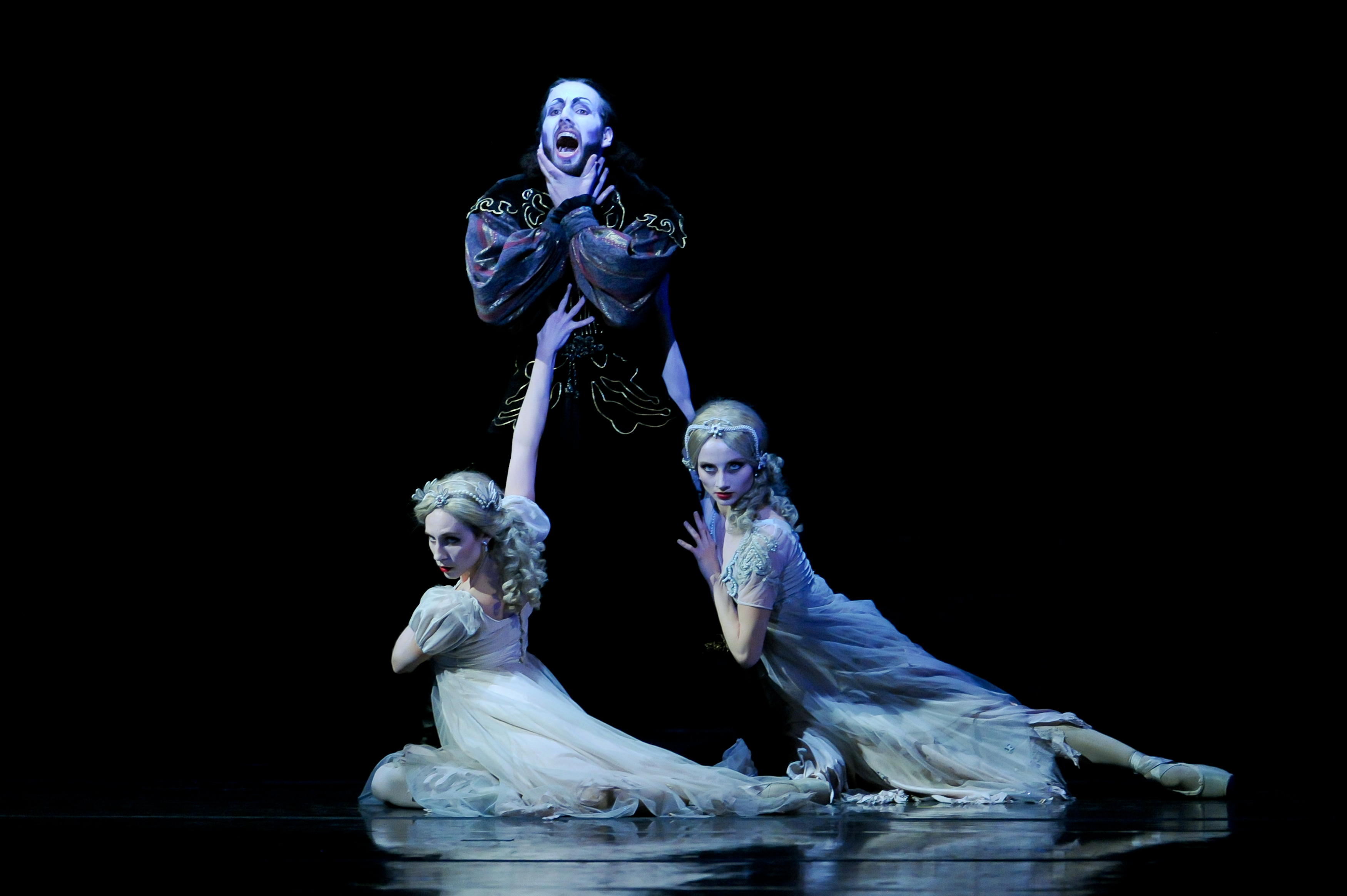 Scene from Pittsburgh Ballet's production of Dracula.